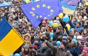 Полсотни титушек вооруженных арматурой подошли к Майдану