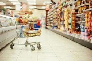 В столичных магазинах ввели ограничения на покупку продуктов  «в одни руки»