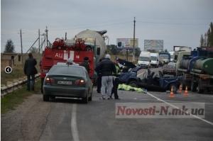 Под Николаевом ВАЗ-2107 столкнулся с бетоновозом. Водитель «семерки» погиб