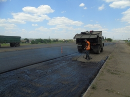 На трассе «Днепропетровск-Николаев» начали ремонтировать кольцевую развязку