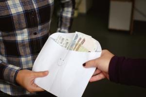Завкафедрой одесского вуза попалась на взятке в три тысячи гривен