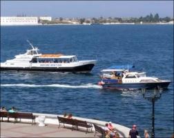 В Севастополе прекращают работу прогулочные катера