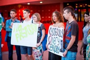 На Одесском кинофестивале митинговали в поддержку заключенного украинского режиссера