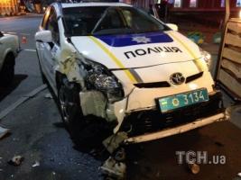 В Киеве машина патрульной полиции столкнулось с легковым авто