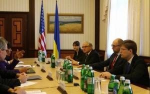 Премьер-министр Украины и министр по вопросам торговли США договорились провести масштабный бизнес-саммит