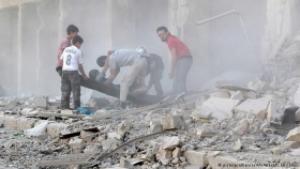 В сирийском Алеппо в ходе авиаудара погибли по меньшей мере 90 человек