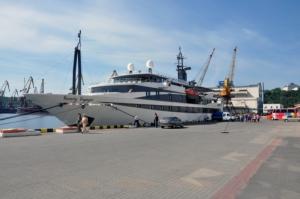 66-метровая яхта Variety Voyager привезла в Одессу туристов