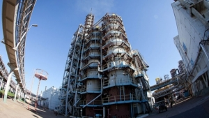 Рейдеры, опасаясь негативного решения суда, спешат вывезти нефтепродукты с Херсонской нефтеперевалки