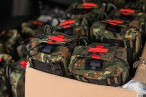 Великобритания обеспечит украинскую армию аптечками на $700 тыс.