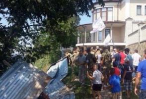 Охранники экс-губернатора Херсонщины натравили собаку на замначальника областного УМВД