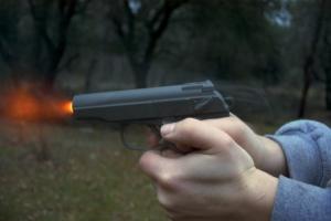 В Одессе стреляли по машинам из пневматики