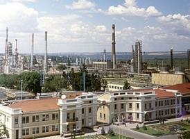 На территории Одесского НПЗ звучат выстрелы