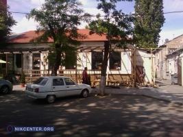 Администрация пиццерии «Челентано»  срубила деревья, чтобы улучшить  летнюю площадку