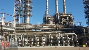 В Одессе неизвестные силой пытаются попасть на территорию нефтеперерабатывающего завода