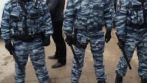 В Крыму силовики провели новые обыски в домах крымских татар