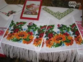 В одесской исправительной колонии вышивают и плетут из бисера