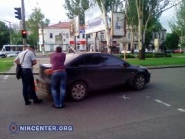 В центре Николаева «Mitsubishi» на пешеходном переходе сбил женщину