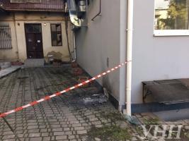 В час ночи неизвестный взорвал гранатой офис ОБСЕ в Ивано-Франковске