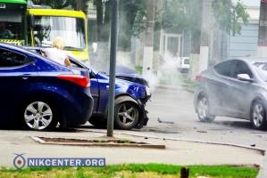 В центре Херсона произошло тройное «синее» ДТП
