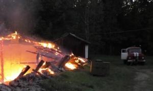 В Черниговской области пожарные семь часов боролись с мощным пожаром на овощехранилище: ФОТО