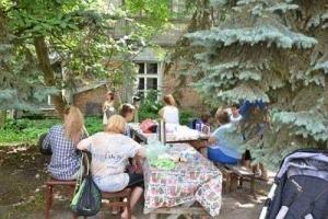 Переселенцы из Донбасса захватили аварийный дом в центре Одессы