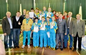 Николаевские мальчишки и девчонки стали лучшими на чемпионате Украины по бадминтону