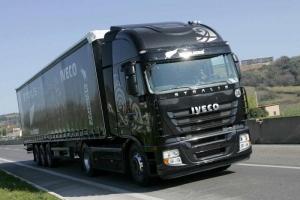 С сегодняшнего дня запрещено движение грузовиков в дневное время по дорогам Херсонщины: список