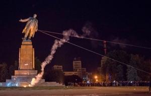 В Украине демонтировали более 800 памятников Ленину