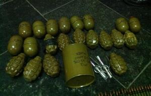В Днепропетровске задержали военнослужащего с целым арсеналом оружия