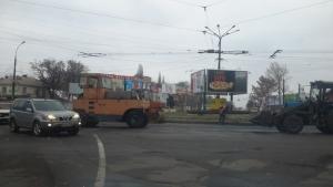 В Николаеве коммунальщики укладывают асфальт с нарушением технологий