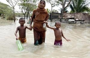 В Бангладеше из-за мощного циклона эвакуированы два миллиона человек