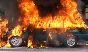 Вчера в Николаеве сгорели «Merсedes-Bens E 300» и ГАЗ