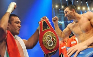 Владимир Кличко нокаутировал боксера из Болгарии