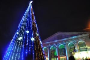 Херсонская новогодняя елка - одна из самых высоких в Украине
