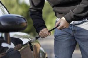 За минувшие сутки в Николаеве похитили два автомобиля и мопед
