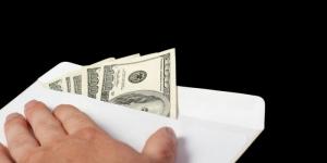 В Одессе сотрудница налоговой вымогала у предпринимателя регулярную