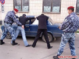 Права человека ничто, если дело касается спецподразделений. Киевский Беркут уже хватает людей в кинотеатрах во время сеансов