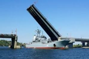 В Николаеве разведут мосты для захода военной техники
