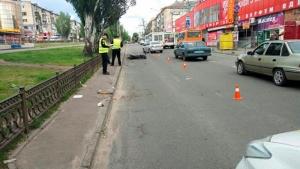 В Николаеве разыскивают свидетелей ДТП, в котором мотоцикл сбил женщину