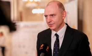 Кабмин уволил первого замминистра инфраструктуры