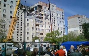 Спасатели освободили женщину из-под завалов дома