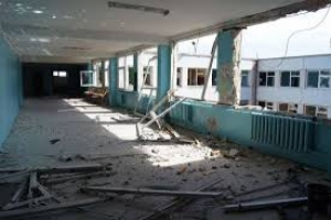 В результате вооруженных столкновений в Луганске понесли огромный ущерб 90 учебных заведений