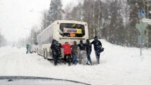 40% херсонских автобусов не смогли выехать на маршрут из-за мороза