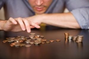 Рост цен в Украине обгоняет рост зарплат более чем втрое - аналитики