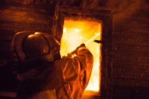 На Николаевщине спасатели потушили пожар в летней кухне