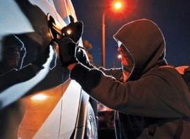 В Николаеве автоворы ограбили машину, оставшуюся без присмотра на 10 минут