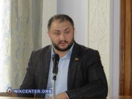 На сессии горсовета представителя Медведчука в Николаеве облили зеленкой