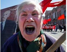 Пенсионеры Донецка и Луганска взбунтовались