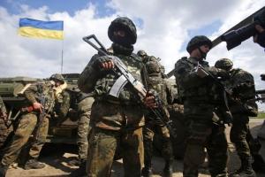 Украинские военные отбили атаки боевиков у Смелого