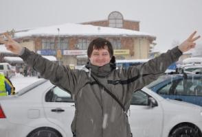 Подозреваемый в организации убийства своей мачехи, николаевский судья Андрей Рудяк скрывается за рубежом